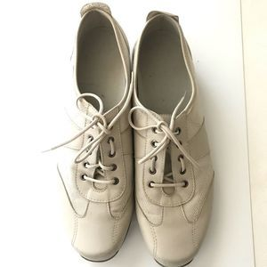 Munro 4414 Walking Shoes Beige Leather Fabric